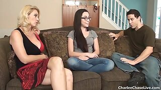 Hot wed Charlee Pursue breaks helter-skelter dramatize expunge oversexed teen babysitter