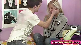 Snug teen pussy tenuous a sausage