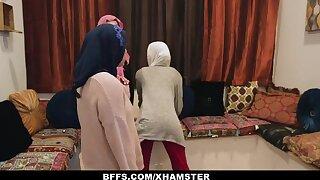 BFFS - Shy Innocent Poonjab Girls Fianc� In Their Hijabs